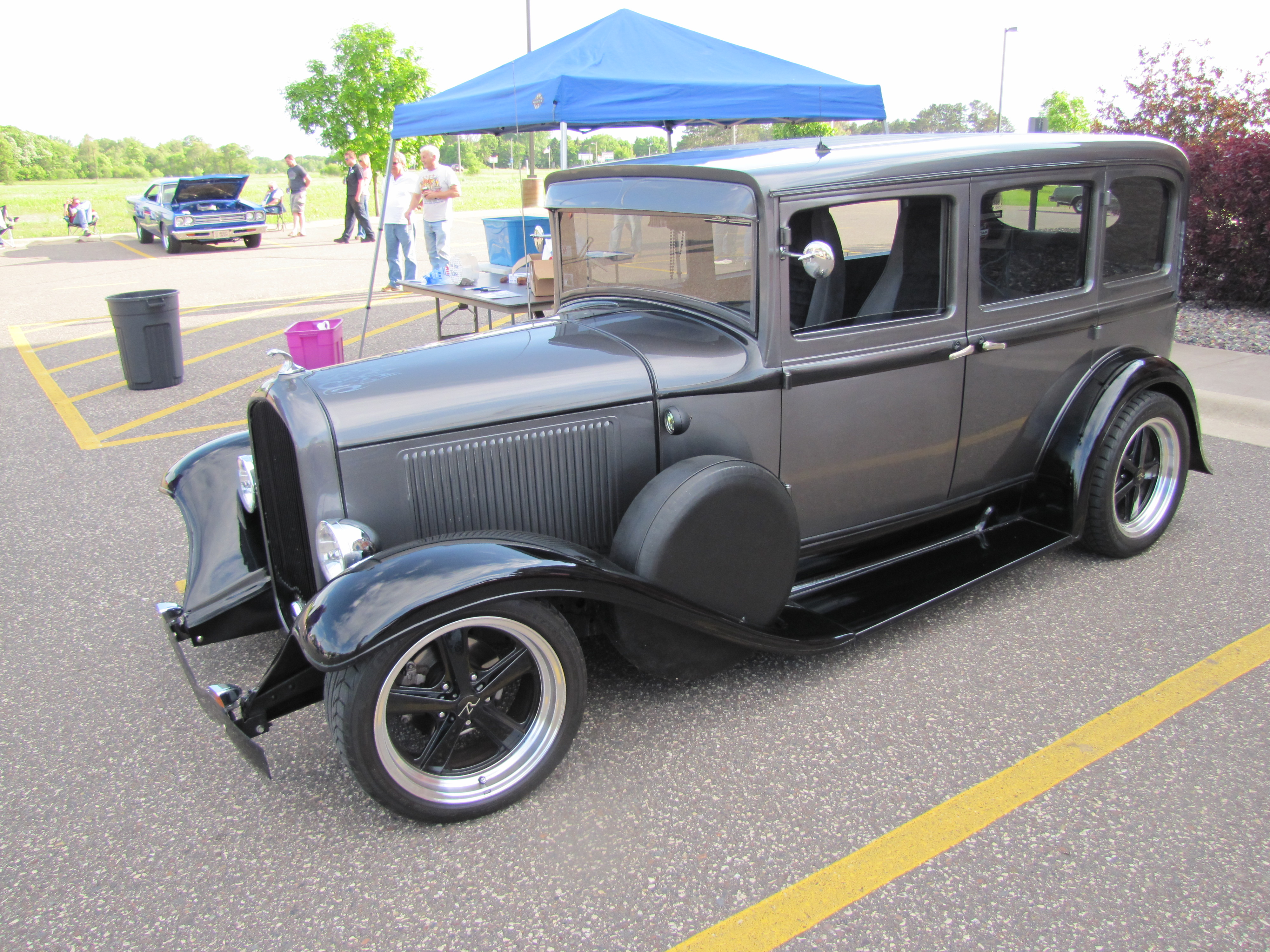Isanti Weekly Car Show 6-12-2013 - themusclecarguy.net
